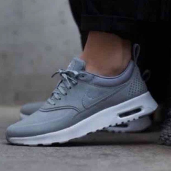 Women's Nike Air Max Thea Shoes Size 7.5 Color Wolf Grey